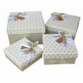 Boîtes cadeaux en carton avec du ruban et le logo, 4 tailles sont disponibles