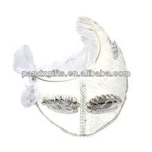 The white feather eye rivet decoration diamonds mask