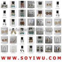 Exhibición del pendiente titular de madera fabricante venta al por mayor de Yiwu mercado para la joyería y pendiente