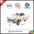 luxuoso e antigo criança carro brinquedo eletrônico