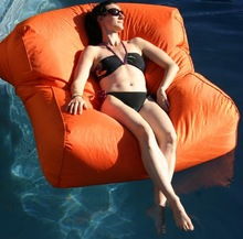 2014 Fashion and hot sale colorful swimming pool water bean bag /bed/sofa/ popular/soft comfortable