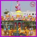 Carrossel de decoração! Parque de diversões musical as crianças carrossel