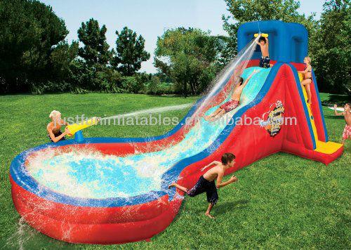 bambini cortile piscinagonfiabile con scivolo parete da arrampicata