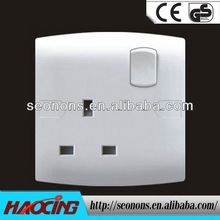 long working life 15 amp switched socket