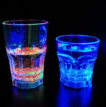 13 Oz Barware whosale custom rock led flashing cups,plastic Led cups with Straw,LED Martini cups