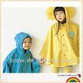 La más nueva moda de lluvia de los niños poncho del cabrito del cabo
