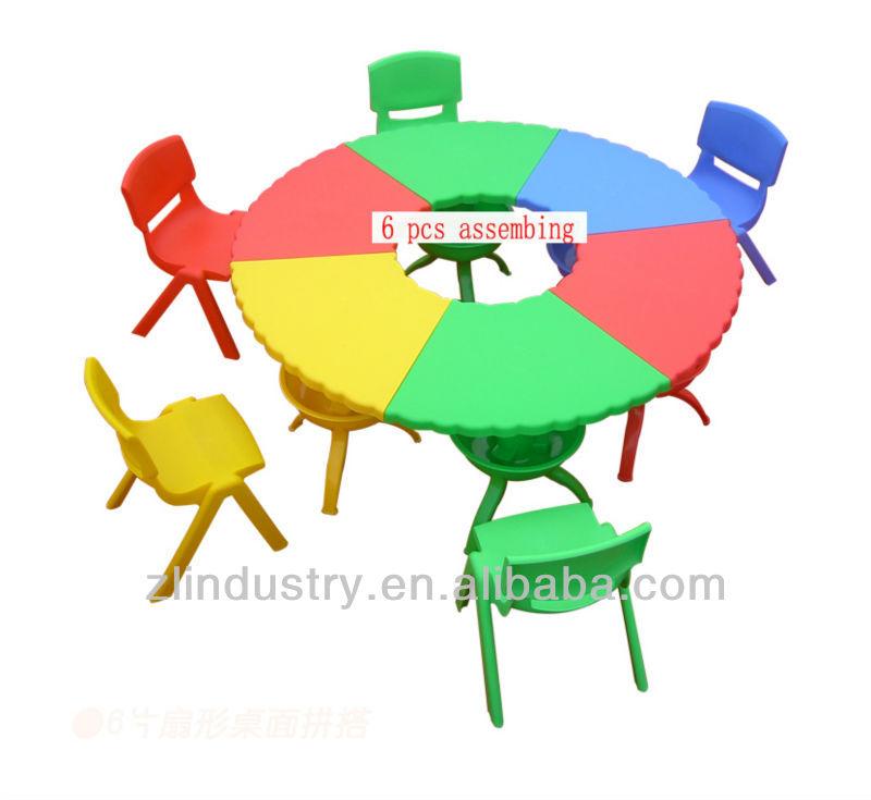 مدرسة الأثاث المورد مع طاولات وكراسي