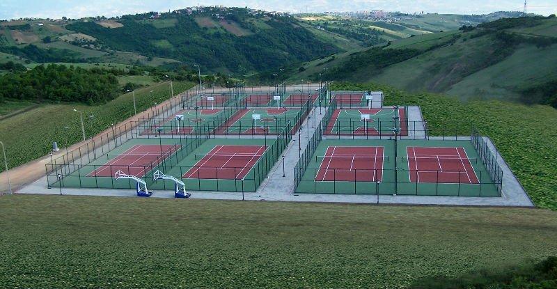 Pista de tenis revestimiento de la superficie de acr lico for Revetement court de tennis