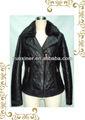 El cliente compra de cuero de la pu chaqueta, de cuero abrigos de invierno con clavos para las mujeres