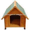 Casa de cachorro arborizado clássico canil com telhado inclinado