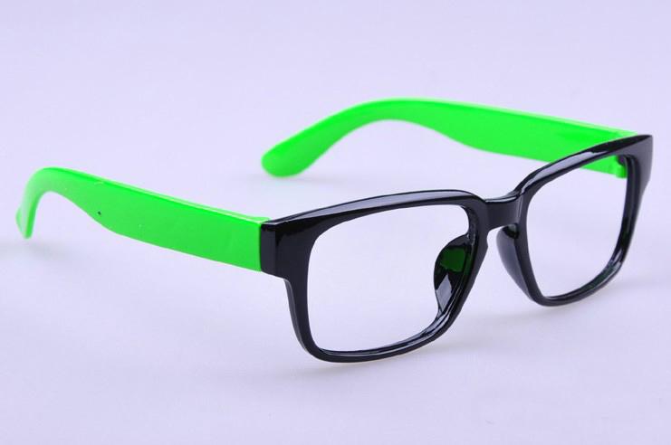 Цвет оправы: зеленый черный 9
