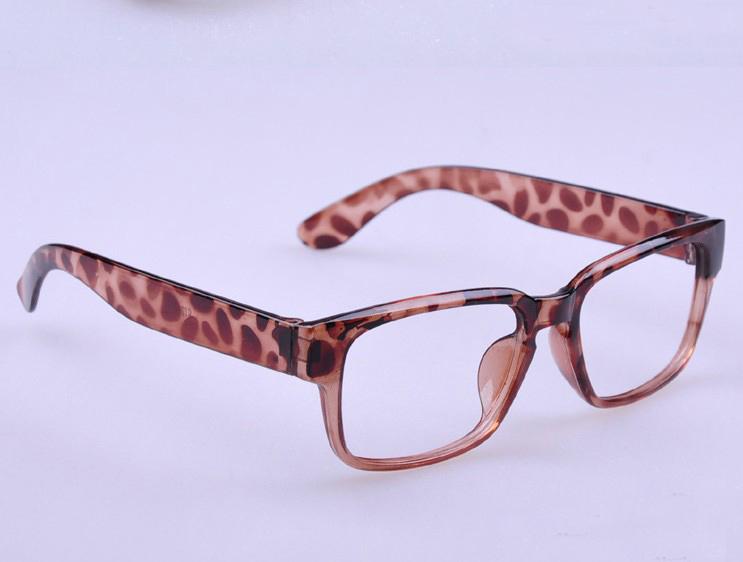 Цвет оправы: Леопард 10