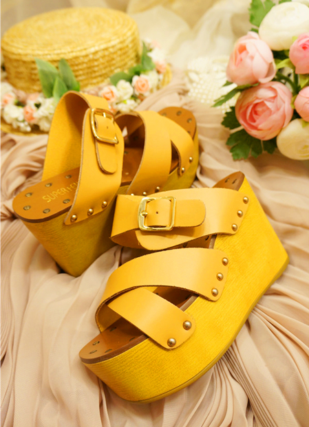 Big shoes 2013 rivet open toe platform sandals wedges buckle women's shoes(China (Mainland))
