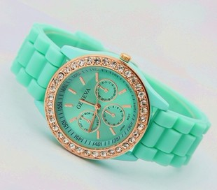 Fashion diamond metal rock HARAJUKU ayumi vintage candy neon color casual watch(China (Mainland))