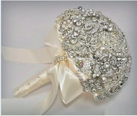 Free shipping Beautifulbeadwork bride bouquet Modern Sparkling Silver Crystal Brooch Posy Bridal Bouquet Wedding pearl bouquet
