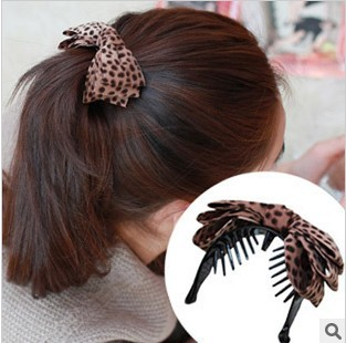 Free shipping Korean leopard fabric bow hairpin banana clips hair jewelry wholesale version of horsetail hair circle clip 3217(China (Mainland))