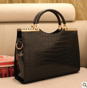 2015 spring and summer fashion women's fashion handbag crocodile pattern japanned leather patent messenger bags OL  shoulder bag