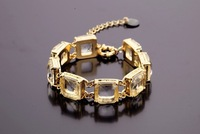high quality 2013 new design clear crystal bracelet length 19cm