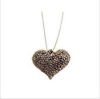 Pendant Necklaces Exquisite Retro hollow carved Heart leaf necklaces for women Vintage necklace cheap wholesale charms