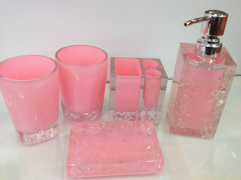 Accessoires de salle de bain rose magasin darticles - Accessoires salle de bain rose ...
