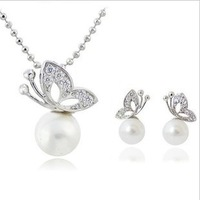 Free Shipping 2013 New Fashion Casual Butterfly Shaped Simulated Pearl Crystal Necklace & Earrings Jewelry Sets for Women Ladies
