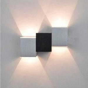 Compra apliques de pared decorativos online al por mayor for Apliques de luz para escaleras