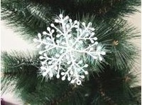 100pcs/lot White Plastic Christmas Snowflake for Christmas Tree /Window/Showcase Decoration 6*6cm