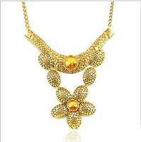 2013 Fashion jewelry,Rhinestone flower pendant necklaces for women,Vintage gold plated petal chokers necklace chain N142
