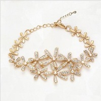 BR214 Elegant Bracelet Daisy Austrian Crystal Flower Bracelet Made with SWA Elements for Women
