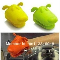 Animal Dog Doggie Design Pliable Silicone Pot Holder Silicone Glove Oven Mitt Free Shipping