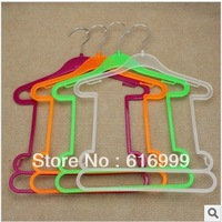 Chlidren Freeshipping + conjoined hangers, plastic hangers, children clothes hangers, clothes hangers in a bathing suit