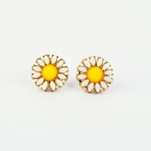 ed00292 shijie New Style Fashion Accessories Daisy Flowers Women's Earring Factory Wholesale(China (Mainland))