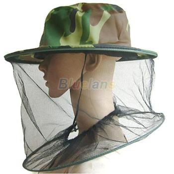 Маскировочная шляпа с плотными полями и москитной сеткой.