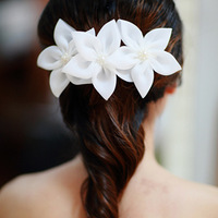 Free ship hot selling new 2013 Fresh lily white flower bridal hairpin wedding hair accessory wedding dress hairpin brooch dual