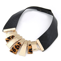 New Arrival Punk Style Fashion Statement Leopard Print Metal Short Leather Necklace For Women Collar Necklace Female Accessories