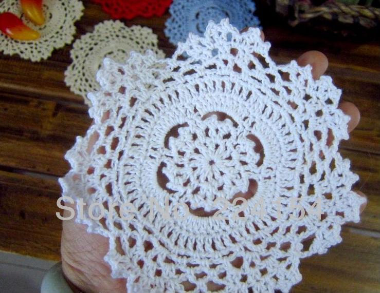 Круглая салфетка из ткани