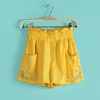 Women's end of a single neon color beading chiffon shorts