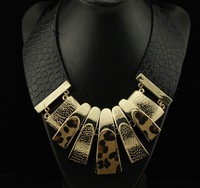 Min Order $10 fashion punk exaggerated big metal leather temperament leopard necklace short