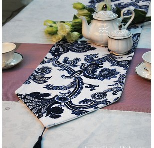 Elegant  Table Flag Runner Printed Blue and White Porcelain 1.8m/2.2m Wholesale Cotton and linen Table Flag