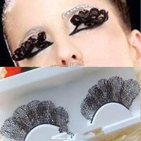 long lace false eyelashes bride style lips