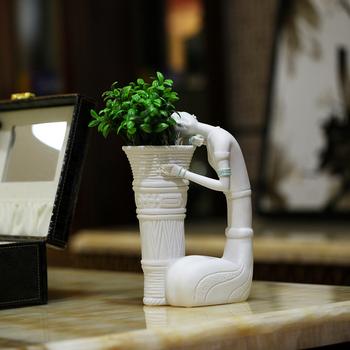 Jingdezhen ceramic crafts fashion modern home accessories decoration sculpture beauty vase