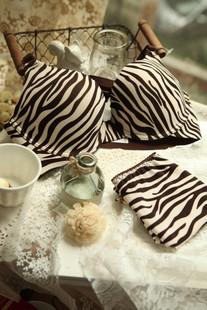 Zebra one- piece push up seamless bra briefs set striped women underwear set sport bra and panties free shipping(China (Mainland))