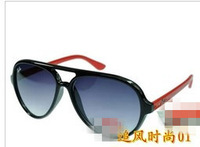 2013   HOT.  Fashion .newest. Lowest  discount. Ms brand sunglasses. 5 kinds of style. 12 pcs free shipping by DHL; .081