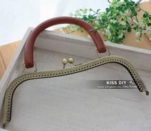 handbag handle promotion