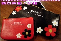 HOT  Free shipping 2014 new daisy red and black bag portable bag girls storage bags makeup cosmetic bags two-piece HZB006