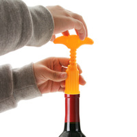 Yiwu commodity z2233 at home ! portable red wine bottle opener plug device 10