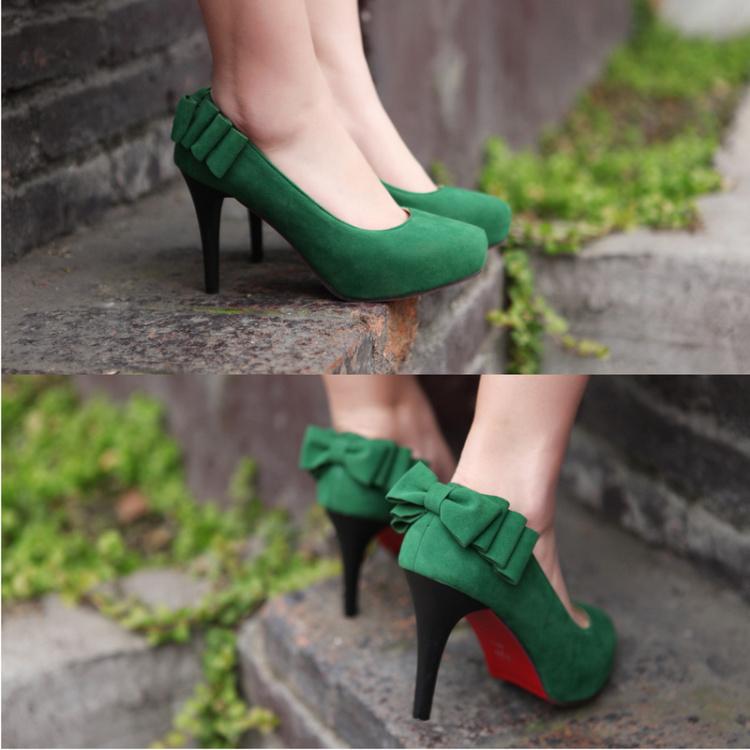 Свадебная обувь бархатный бант красный единственным