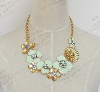 Min.order is $15 (mix order)2013 Rhinestone big flower Statement necklaces for women,Gold plated chokers necklace chain N333