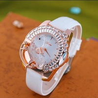 Free Shipping New Style Quartz Watch Round Stainless Steel Fashion Wristwatch Women watches