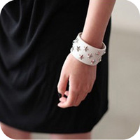 Promotion! Wholesale!Min.order is $10(mix order)Freeshipping/Fashion vintage punk five-pointed star rivet leather bracelet BR112